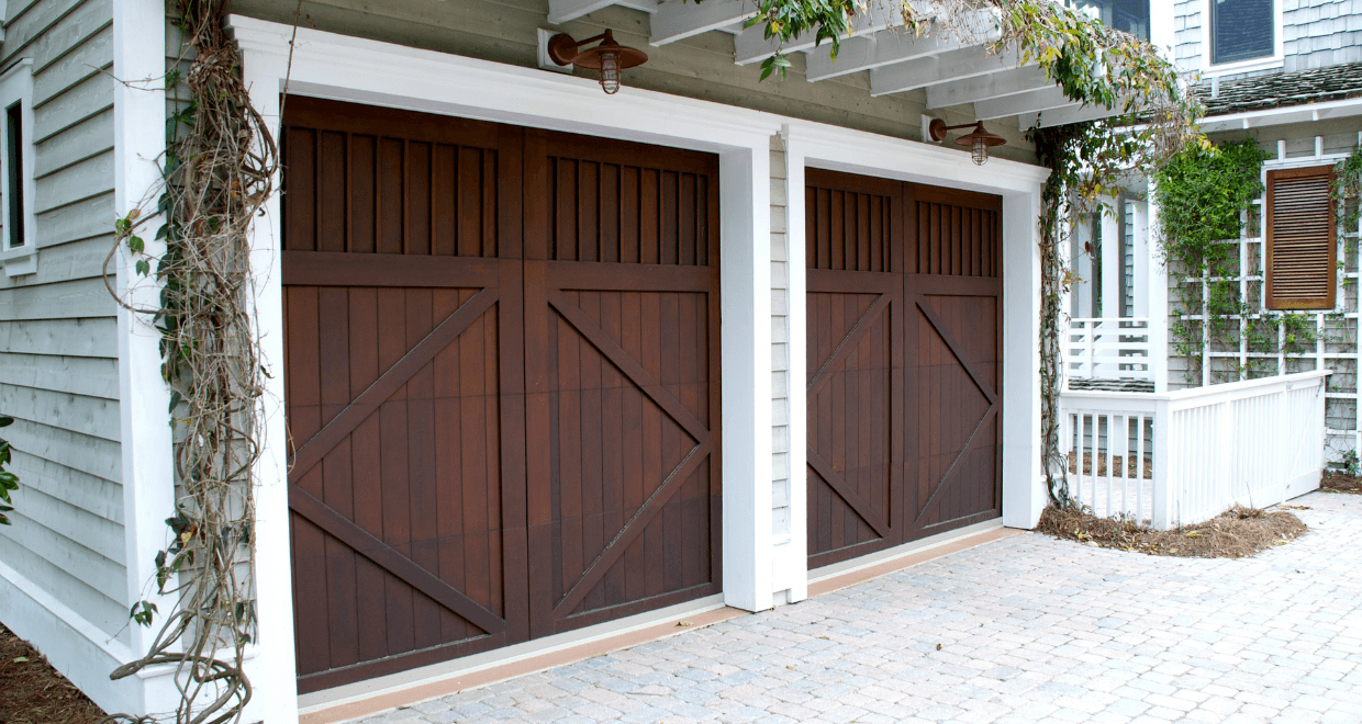 What color garage door is best with a grey house - What color door goes with gray house ...
